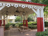 Picnic pavilion at Saratoga Springs Resort.