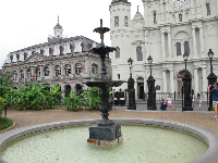 Fountain and Cabildo building.