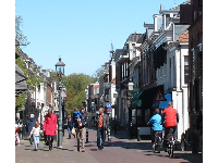 Sunny Saturday on Herenstraat.