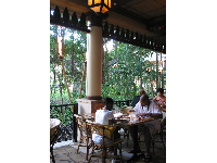 The outdoor garden dining area of the Cheesecake Factory.
