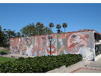 Mural near the Student Center.