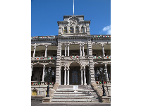 Grand entrance to Iolani Palace.