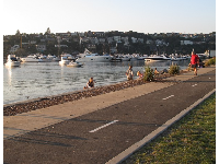 The jogging path at Spit West Reserve.