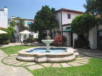 The bubbling fountain in the courtyard at El Paseo.