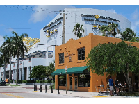 Old Fort Lauderdale Breakfast House and the Museum of Discovery and Science.