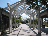 The walkway into the visitor center.