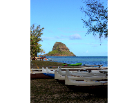 Canoes and Chinaman's Hat.