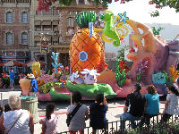 Spongebob float in the parade.