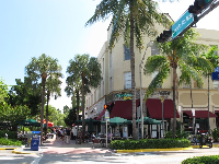 Lincoln Rd Mall stretches for several blocks.