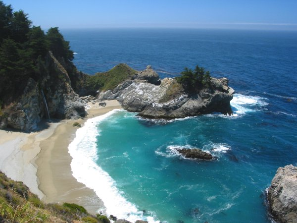 Julia Pfeiffer Burns State Park and Beach, Monterey California