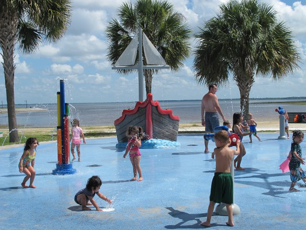 Lakeshore Park Splash Pad, St Cloud, Orlando FL