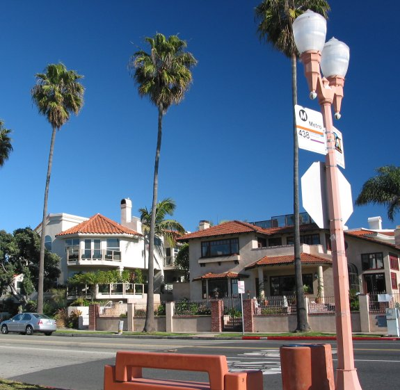 Knob Hill Ave Walk, Redondo Beach, Los Angeles California