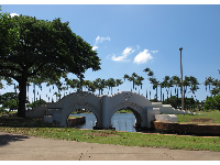 Cute bridges at Ala Moana Beach Park.