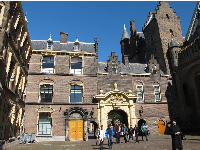 The mix of buildings that make up Binnenhof.