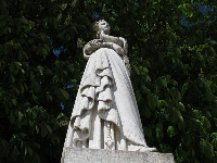 Sweet statue of Marguerite d'Angouleme.