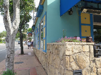 Side view of Splash Cafe along Monterey Street.