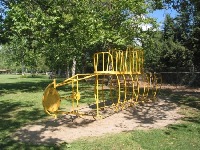 The unidentifiable play structure!