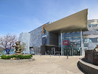 Entrance to the Hunter Museum of Art.
