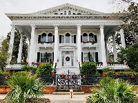 Bellamy mansion at Christmastime. Photo by Ying Zhu.