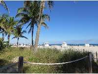 View of the beach from the bike path near 16th Street.
