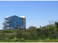 Beachhouses are scattered somewhat randomly on Oak Island.