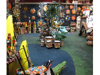 Earthtones is such an interesting shop!