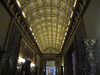 Ceiling detail in the hall.
