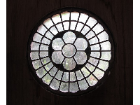 Small rose window in the Hall of Giants.
