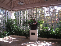 Monumental Apple Basket by Leslie Ortiz, in the open-air building.