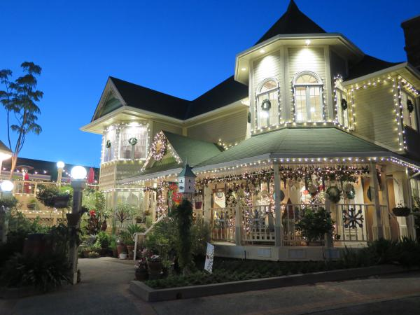 Apple Farm Restaurant at Christmas, SLO, San Luis Obispo California