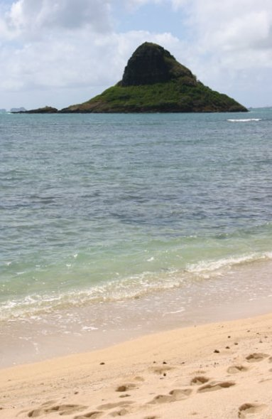 Chinaman's Hat Beach and Kualoa Ranch, Oahu Hawaii